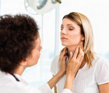 Symptomy difuzno-nodulární struma