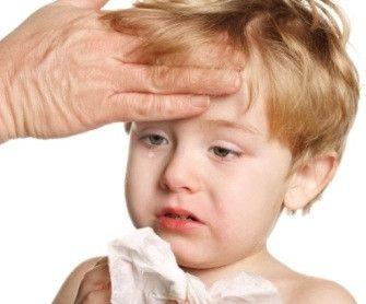 Typickými příznaky meningitidy u dětí