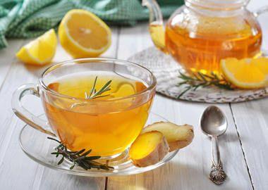 Čaj sa đumbirom i limunom za grlobolje