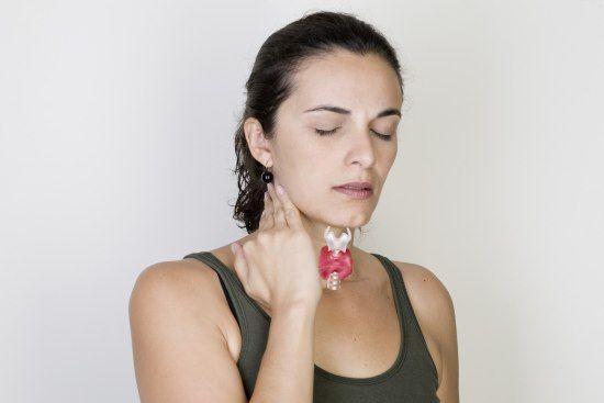Klinické známky a příznaky onemocnění štítné žlázy u žen