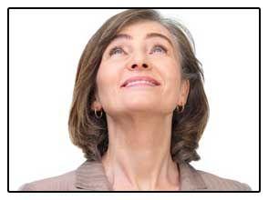 Foto ženy není s účinky odstranění štítné žlázy