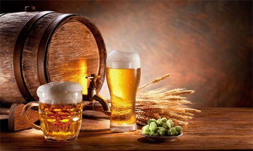 Harm a výhody pivních produktů pro mužského těla