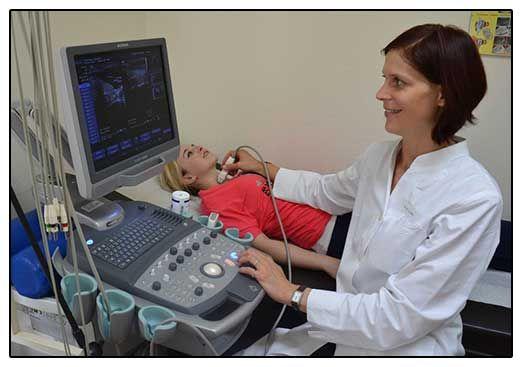 Diagnostician de tiroidă rasshivrovyvaet cu ultrasunete - fotografie